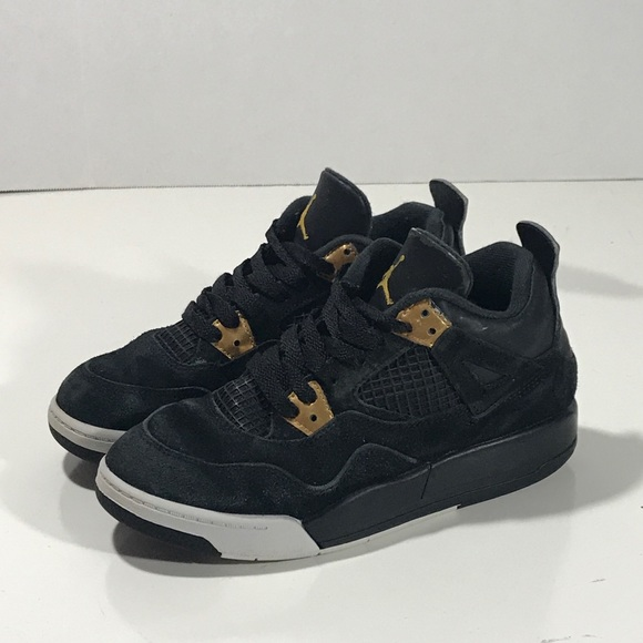 online store 079dc 566cd Nike Air Jordan 4 Retro boys black gold sneaker. M 5bf5a8445c4452dfff23b766